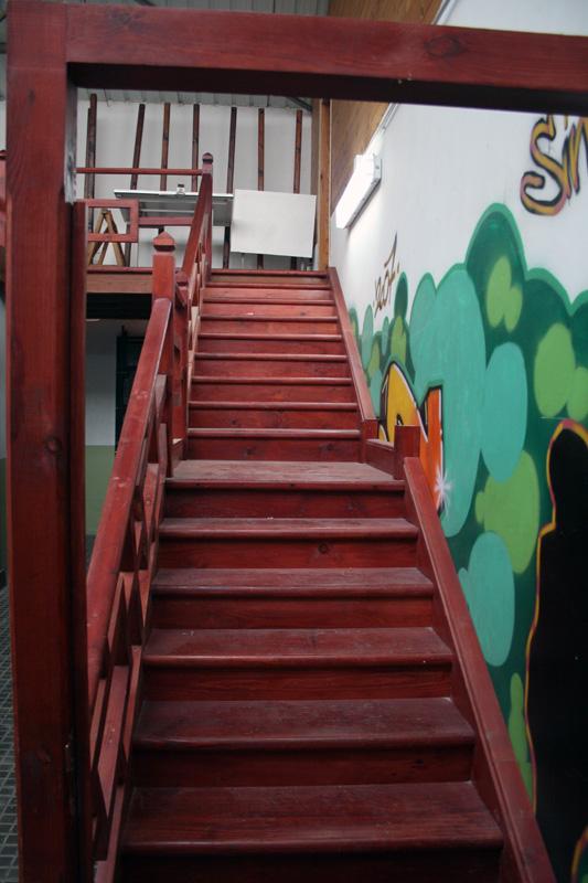 EScalera realizada con los alumnos del modulo de carpintería y mueble
